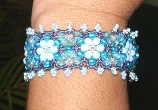 Beaded_bracelet_from_bead_and_but_3