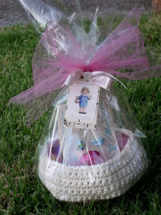 Crocheted_easter_basket_and_me_ea_2