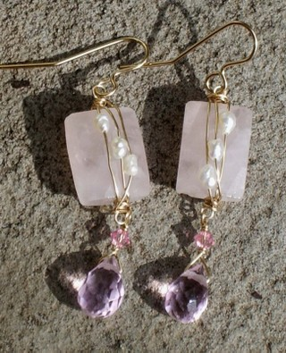 Rose_quartz_and_crystals_48