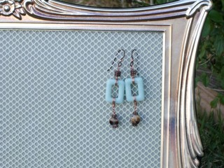 Copper_and_blue_gemstone_with_she_2