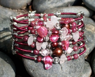 Twisted_wire_cuff_front_4_5192007