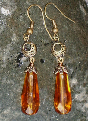 Czech_glass_drops_and_brass_earri_2