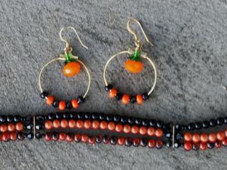 Halloween_earrings_and_bracelet_c_2