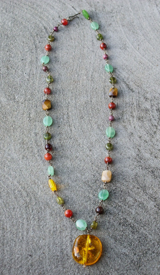 Multistone_necklace_from_elaine