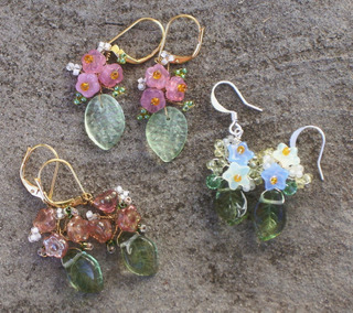 Twisted_wire_flower_and_leaf_earrin
