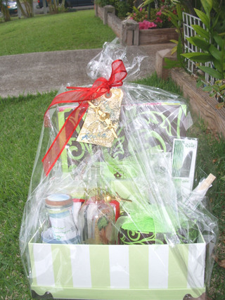 Gift_basket_from_sandy