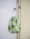Backpack_drawstring_green_hawaiian_print_2