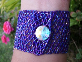 Beaded_bracelet_closure_net_stitch_from_