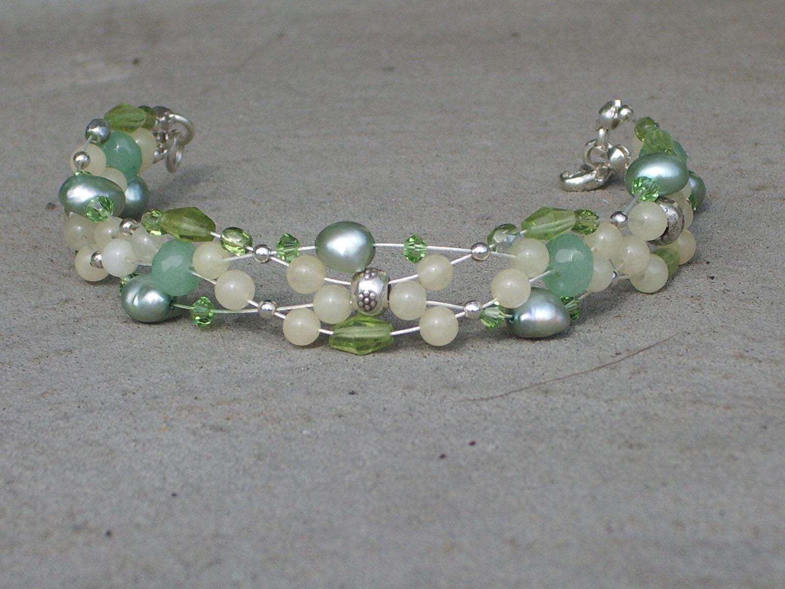 Bracelet_peridot_jade_thai_silver_fw_pea