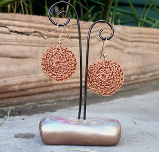 Crocheted_disk_earrings_2_rust_1272007