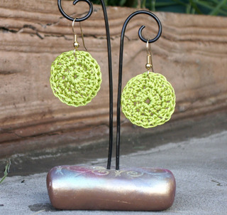 Crocheted_disk_earrings_2_view_2_chartre