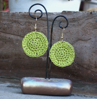 Crocheted_disk_earrings_chartreuse_12520