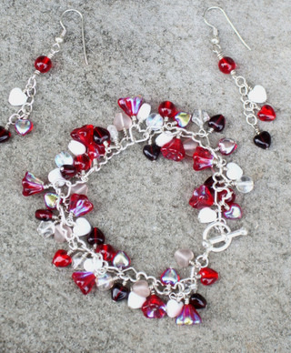 Hearts_and_flowers_red_and_white_bracele