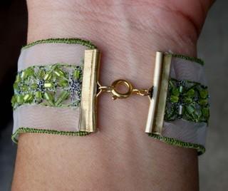 Lace_bracelet_closure_2152007_1
