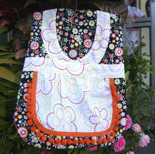 Orange_and_black_clothespin_bag_2212007