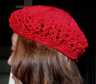 Red_croheted_cap_on_mom_2112007