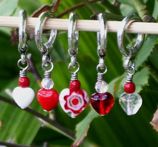 Valentine_stitch_markers_jan2007