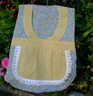 Yellow_and_blue_clothespin_bag_view_2_22